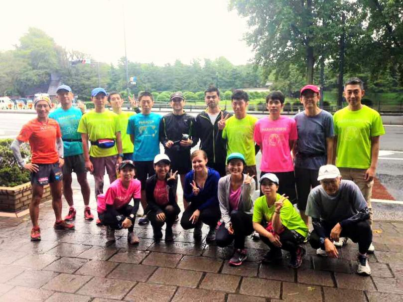 Nearly twenty runners gathered this morning for the charity training run organized by PARACUP. The light shower did not stop them from running 10-15K buildup training with increased pace per loop. Following useful running advice from Coach Hiroto, all of them completed their run and felt very happy and strong, especially for helping the charitable cause. We all celebrated our achievements at the usual post-run social. Coach Hiroto shared his story of running in many World Heritage sites around the world and the joy of running. We also learned how the proceeds from PARACUP is being used through the specific programs run by participating non-profits. Today's run featured Kamonohashi Project which helps empowerment program in Asia to prevent human trafficking. The next PARACUP run is scheduled on November 15. We will enjoy the coloring of leaves around the Palace. See you there and happy running till then! 残念ながら世話役のがっきーさんはカメラマンでしたので写ってません!